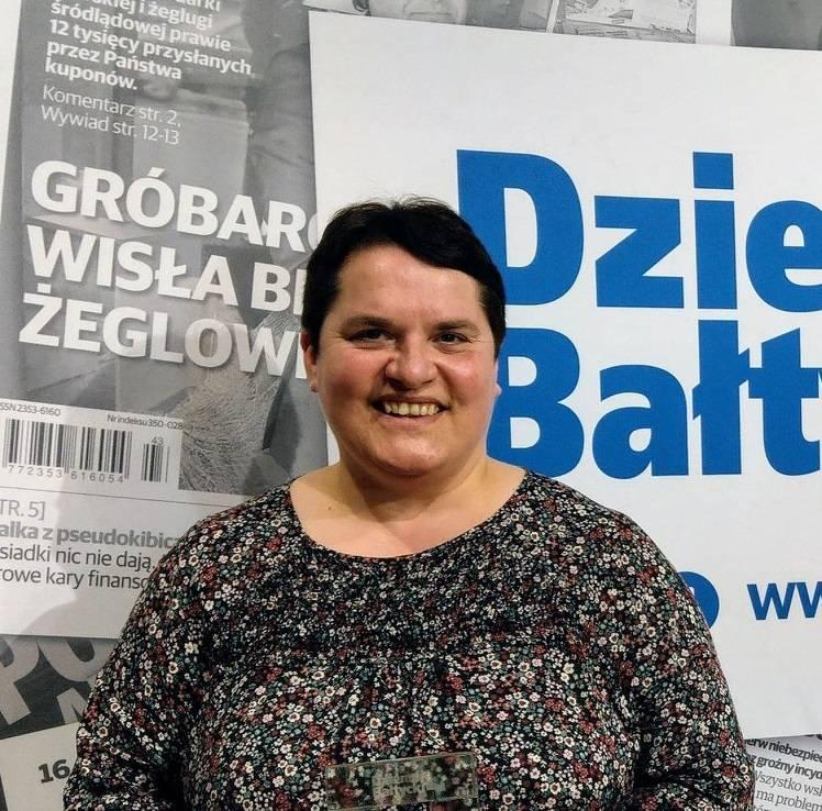 Zdjęcie Bibliotekarz Filii Gminnej Biblioteki Publicznej w Cewicach w Maszewie Lęborskim